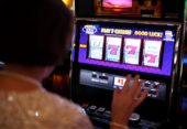 Can you live off gambling?