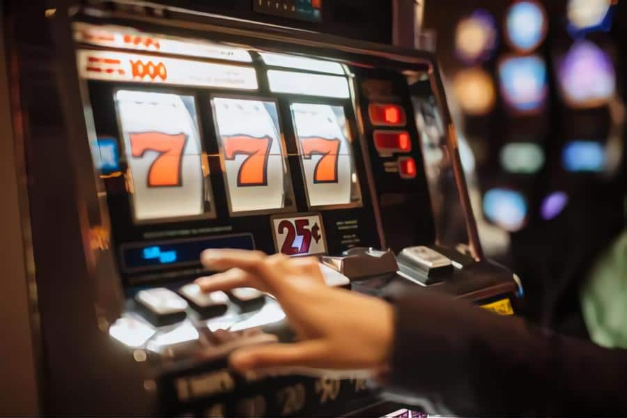 Why do casinos offer free spins?